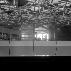 Airport Lounge (ucn) Tags: weltaweltax berggerpancro400 tessar75mmf35 street tegelairport