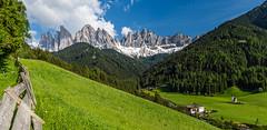 Villnößtal mit der Geißlergruppe (jürgenmilnik) Tags: italien italia villnöstal geislergruppe gruppo delle odle sütdtirol alto adige val di funes
