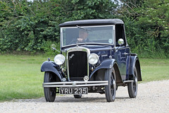 Austin Ten (1933) (Roger Wasley) Tags: austin 10 ten yru235 toddington gloucestershire classic car