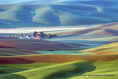 Crack Of Dawn (Gary Grossman) Tags: barn red landscape steptoe palouse washington northwest spring hills dawn mornig may garygrossman garygrossmanphotography pacificnorthwest steptoebutte landscapephotography redbarn rollinghills shotsofawe