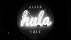 Neon Juice (byronv2) Tags: edinburgh scotland edimbourg blackandwhite blackwhite bw monochrome edinburghbynight night nuit nacht dusk hula juice cafe diner restaurant sign neonsign round circle tollcross fountainbridge