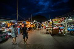 Open restaurants (Thanathip Moolvong) Tags: lampang thailand evening