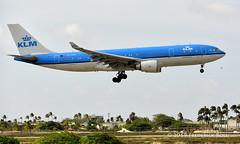 KLM A330 ~ PH-AOD (© Freddie) Tags: aruba oranjestad renaissanceisland klm airbus a330 a332 phaod aua tnca tncaaua fjroll ©freddie