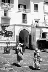 DSCF7965.jpg (marcelo_valente) Tags: fujixe2 amalfi travelphotography travel hats fuji italy italia fujifilmxe2 europe streetphotography amalficoast