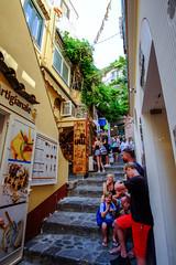 DSCF8022.jpg (marcelo_valente) Tags: fujixe2 travelphotography travel positano fuji italy italia fujifilmxe2 europe store amalficoast