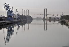 Reflejos en un rio (ricardocarmonafdez) Tags: sevilla cityscape rio river guadalquivir puerto muelle pier harbour puente bridge reflejos reflections nikon d850 24120f4gvr