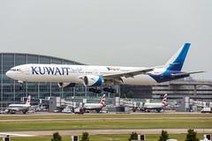 9K-AGH (hartlandmartin) Tags: 9kaoh kuwaitairways boeing 777300er heathrow lhr egll aircraft airport airline aeroplane aviation airplane landing nikon d7200 70300afp