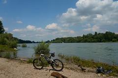 Biketour (Lutz Blohm) Tags: biketour scottgenius40 rheinufer hochwasser sonyfe24105mmf4goss sonyalpha7aiii fluskilometer410