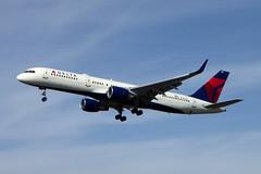 N721TW Boeing 757-231 cn 29954 ln 874 Delta Air Lines Los Angeles 23Feb19 (kerrydavidtaylor) Tags: lax klax losangelesinternationalairport california boeing757 boeing757200