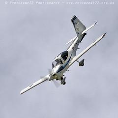 0983 Tutor (photozone72) Tags: raf tutordisplay grobtutor tutor wingswheels dunsfold dunsfoldpark aviation aircraft airshows airshow canon canon7dmk2 canon100400f4556lii 7dmk2