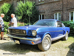 Ford Mustang Fastback, 1965 (linie305) Tags: dortmund ruhrgebiet ruhrpott ruhrarea deutschland germany schloss westhusen castle 2018 auto kraftfahrzeug kfz radfahrzeug vehicle oldtimer oldtimers classic vintage worldcars car cars automobil carshow meeting event uscar american usa ford mustang fastback 1965