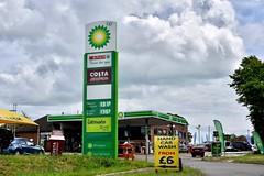 BP, Stretton-on-Dunsmore, Warwickshire. (EYBusman) Tags: bp petrol gas gasoline filling service station london stretton dunmore warwickshire harvest energy texaco eybusman