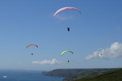Fais comme l'oiseau................. (mchub) Tags: ciel mer sable normandie lahague cotentin vauville parapente nuage