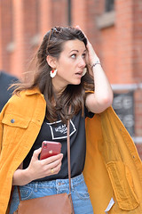 1382_0012FL (davidben33) Tags: newyork brooklynspring 2019 dumbo parks architecture street streetphoto photo people women beauty portrait landscape cityscape fashion hair faces nikon tamrontelephoto zoom 718 macro