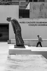 The Mind Weight (Rui  Pereira) Tags: fundaçãocalustregulbenkian geometry lisbon diagonal street