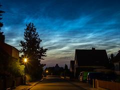 Nachtleuchtende Wolken / Noctilucent Clouds (ralph_behrens) Tags: noctilucentcloud nachtleuchtendewolken sommer 2019 ralphbehrens olympus omdem1markii microfourthirds mft m43 voigtlaendernokton25mmf095 niedersachsen germany deutschland stativ