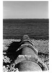 pipe (ludob2011) Tags: bwfp film kodak tmax pentax smc brest rade iroise argentique