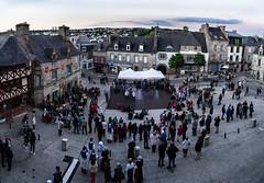 Fête de la musique à St Renan (ludob2011) Tags: panorama pentax smc folklorique folkloric danse band groupe musique music medieval photoclub renan bretagne finistere brittany