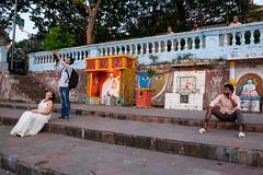 Kolkata (SaumalyaGhosh.com) Tags: kolkata street streetphotography xt2 fuji fujifilm india stairs people image subject color
