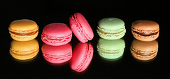 pink rules (HansHolt) Tags: macarons sweet confection pink yellow green browen round circle tabletop mirror reflection macro canon 6d 100mm canoneos6d canonef100mmf28macrousm smileonsaturday thinkpink