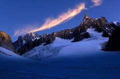 notte in Bianco (art & mountains) Tags: alpi alps montblanc montebianco granito roccia dente creste natura hiking climbing alpinismo silenzio contemplazione bivacco spazio linea superficie vision dream spirit