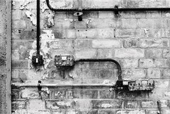 Abandoned lab (a.pierre4840) Tags: olympus om3 zuiko 35mm f2 35mmfilm kosmofotomono100 bw blackandwhite noiretblanc abandoned derelict ruined decay wall composition industrial