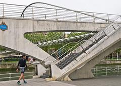 Stufen / Stairs (schreibtnix on'n off) Tags: reisen travelling europa europe spanien spain bilbao architektue architecture brücke bridge zubizuribrücke zubizuribridge santiagocalatrava stufen stairs olympuse5 schreibtnix