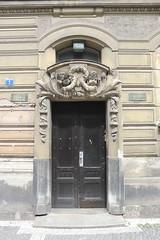 Portal (magro_kr) Tags: hradeckrálové hradeckralove czechy czechrepublic českárepublika ceskarepublika portal drzwi architektura door architecture
