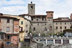 Seitenansicht (grasso.gino) Tags: italien italy italia toscana toskana tuscany castelnuovo nikon d7200 garfagnana stadt town turm tower häuser houses
