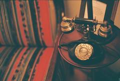 (Kkeina) Tags: film analog manual 35mm 50mm olympus om om1 room interior comfort dark old history castle