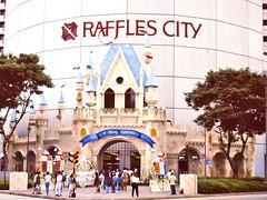 61 Singapore; Raffles City, Christmas 1991 (Brigitte & Heinz) Tags: singapore singapur singapour xmas christmas wheinachten