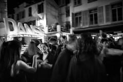 Thé dansant (revisité) (Stephane Rio 56) Tags: pau france portrait concert europe sourire aquitaine ville nb pyreneesatlantiques bw headshot life rue smile street town vie pyrénéesatlantiques blackdiamond