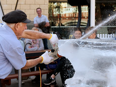 Ice Sculptor (Mike - through my eyes) Tags: ice sculpture perth wa chainsaw yagan