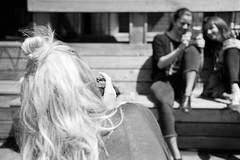 Girls have fun (titan3025) Tags: leica leicam6 ilford hp5 blackandwhite monochrome filmisnotdead grainisgood