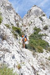 Descente en rappel (Lumières Alpines) Tags: didier bonfils goodson goodson73 dgoodson lumieres alpines montagne mountain europa outside france mer calanques cassis escalade voie du guem en vau