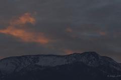 Primer amanecer de invierno 2019 (jeckafou) Tags: amanecer morning winter southamerica southern hemisferio sur chile santiago cordillera nubes sunrise down hemisphere