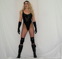 Come @ me B***h! Link in Description (queen.catch) Tags: dragqueen trannywrestling tranny wrestler catchqueenyoutube boots kneepads pantyhose sissy femboi wig makeup glam prostyle bathing suit leotard shemale crossdresser shinylycra gloves