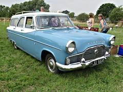 901 Ford Zephyr Mk.II 206E (Lowline) Farnahm Estate (1961) (robertknight16) Tags: ford british 1960s zephyr 206e zephyrmkii lupinfarm lupinfarm2015 yju664 abbott farnham