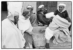 83215_02 Imilchil, High Atlas, Morocco, 1983 (Wolfgang_Kraus) Tags: morocco maroc marokko highatlas hautatlas berbers imazighen village portrait ethnography pentax mx smcpentaxm28mmf28 analog film ilford hp5 id11 monochrome dslrscanning k1 schneiderkreuznach adapted xenon zirconia 11 linescan industriallens piplkan