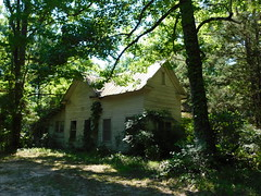 A Decaying Home (jimmywayne) Tags: alabama silvercross washingtoncounty rural decay dilapidated