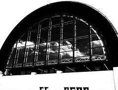 CLOUDRIUM (Dinasty_Oomae) Tags: fujifilm fujixf10 xf10 富士フイルム 東京都 東京 tokyo 江東区 kotoku 夢の島 yumenoshima 反射 reflection 空 sky 雲 cloud 白黒写真 白黒 monochrome blackandwhite blackwhite bw outdoor