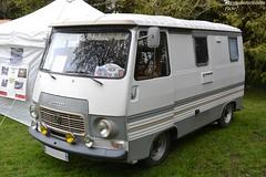 Peugeot J7 Camping-Car (Monde-Auto Passion Photos) Tags: vehicule peugeot j7 camionnette campingcar bicolore ancienne classique rare rareté collection rassemblement france courtenay
