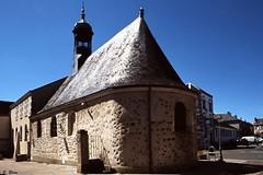 La chapelle St-Marc à Brou (Philippe_28) Tags: brou 28 eureetloir france europe argentique analogue camera photography photographie film 135 slide transparency diapositive