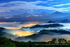 月光琉璃 (Benz Yu) Tags: 武界雲瀑 魚池鄉 夜景 五城 槌仔寮 風景 月光琉璃 雲瀑 雲海 琉璃光 金龍山