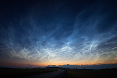 Nachtleuchtende Wolken (Jürgen Mayer) Tags: wolke wolken cloud clouds sky himmel nlc noctilucent landschaft landscape nacht nachts night nightscape blue blau pentax pentaxart pentaxlife sigma 816 wideangle weitwinkel sigma4556816