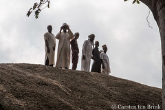 Abeokuta Olumo Rock visitors (10b travelling / Carsten ten Brink) Tags: africa site african places westafrica nigeria afrika refuge afrique nigerian 2018 africaine ogun abeokuta egba cmtb otherkeywords tenbrink olumorock carstentenbrink ogunstate ogunriver iptcbasic 10btravelling nigeria2018 western westernregion