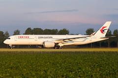 B-304N | A359 | CHINA EASTERN | EHAM (Ashley Stevens images) Tags: amsterdam schiphol airport eham ams canon eos aircraft aeroplane aviation civil airplane b304n