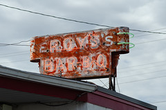 Roy's Bar-B-Q (dangr.dave) Tags: chickasha ok oklahoma architecture downtown historic neon neonsign roysbarbq roysbarbecue roysbbq
