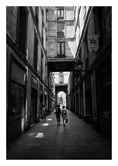 FILM - Somewhere in Barcelona (fishyfish_arcade) Tags: 35mm analogphotography bw barcelona blackwhite blackandwhite cimko28mmf28 filmphotography filmisnotdead hp5 istillshootfilm monochrome olympusom10 analogcamera film ilford mono streetphotography