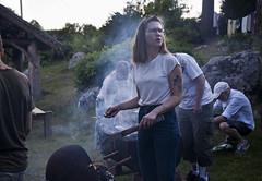 Svensk midsommar (Anders Österberg) Tags: traditions sweden swedish barbeque swedensummer summer sommar midsommar grilla sommarnatt summernight porträtt portrait